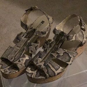 White Mountain Shoes - Snake Skin Sandals